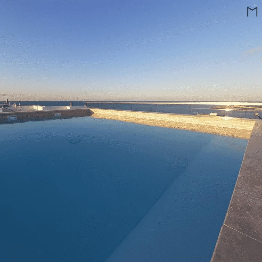 Attico con piscina